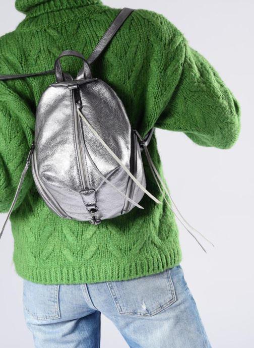 Sacs à dos Rebecca Minkoff Medium Julian Backpack Argent vue bas / vue portée sac
