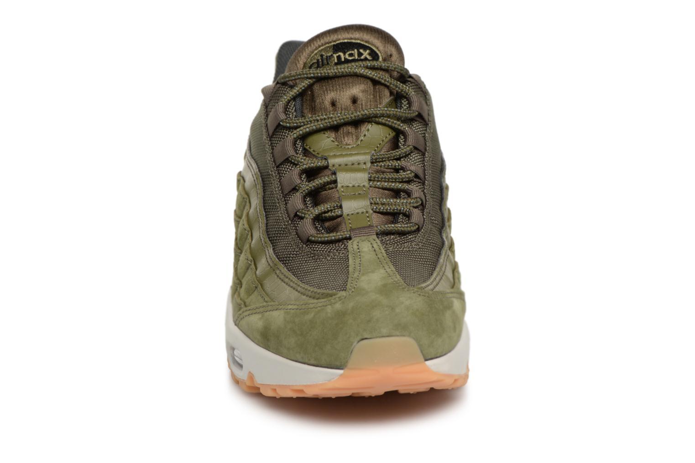 Baskets Nike Nike Air Max 95 Se Vert vue portées chaussures
