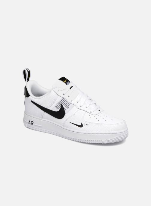 hot sales c76b1 a28aa Baskets Nike Air Force 1  07 Lv8 Utility Blanc vue détail paire