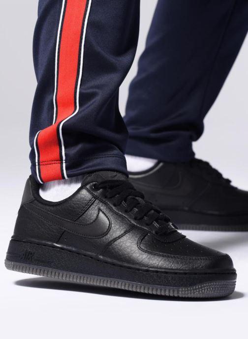 Baskets Nike Wmns Air Force 1 '07 Ess Vert vue bas / vue portée sac