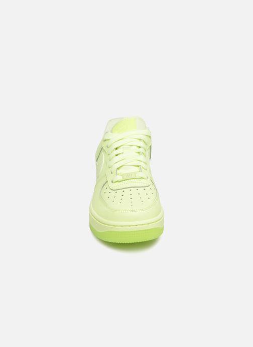 Baskets Nike Wmns Air Force 1 '07 Ess Vert vue portées chaussures