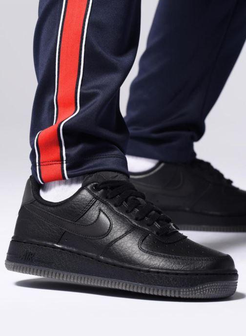 Sneaker Nike Wmns Air Force 1 '07 Ess orange ansicht von unten / tasche getragen