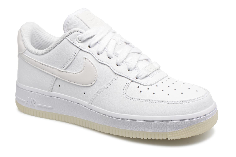 Baskets Nike Wmns Air Force 1 '07 Ess Blanc vue détail/paire