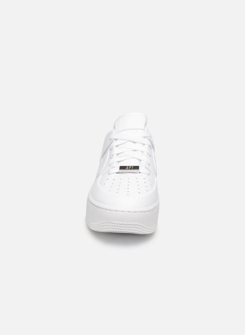 Sneakers Nike Wmn Air force 1 Sage Low Bianco modello indossato