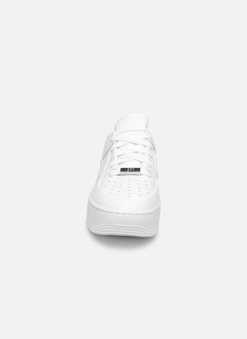 Baskets Nike Wmn Air force 1 Sage Low Blanc vue portées chaussures