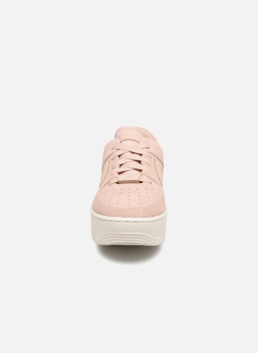 Baskets Nike Wmn Air force 1 Sage Low Rose vue portées chaussures