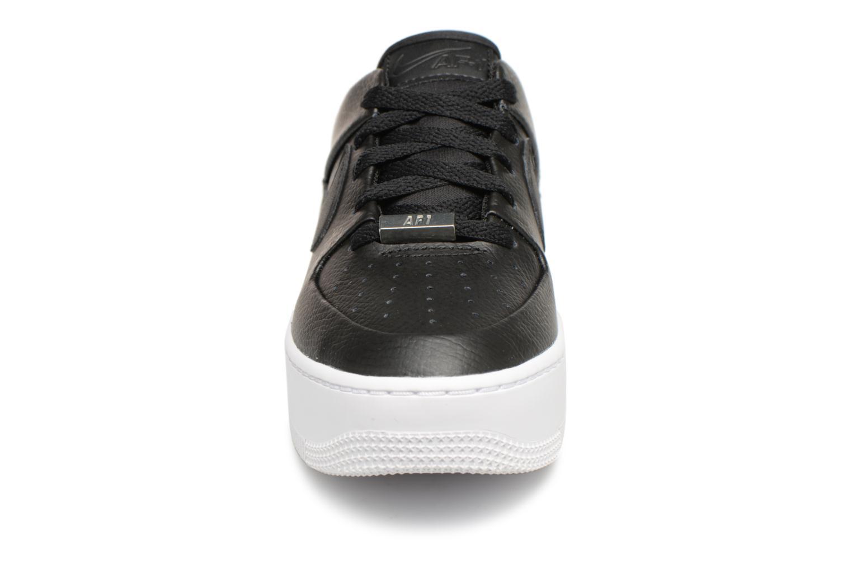 Sneakers Nike Wmn Air force 1 Sage Low Nero modello indossato