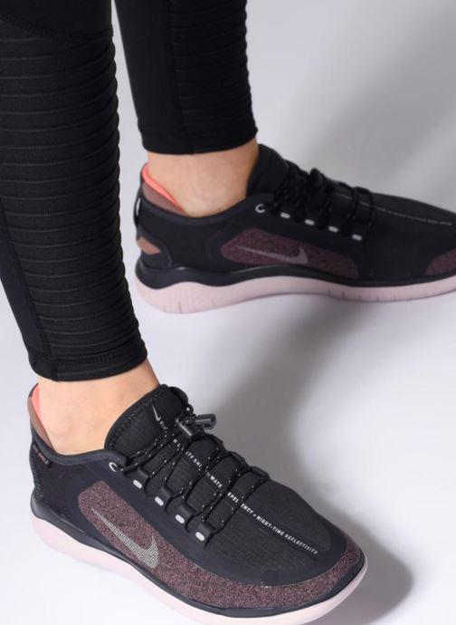 sale retailer 3c683 3bc1a Chaussures de sport Nike W Nike Free Rn 2018 Shield Gris vue bas   vue  portée