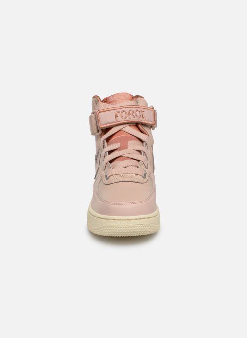 Baskets Nike W Af1 Hi Ut Rose vue portées chaussures