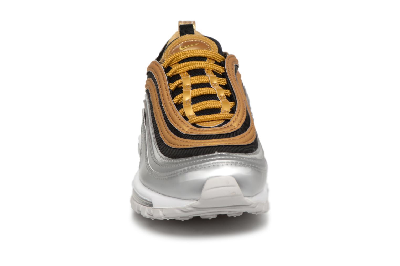 Baskets Nike W Air Max 97 Se Or et bronze vue portées chaussures