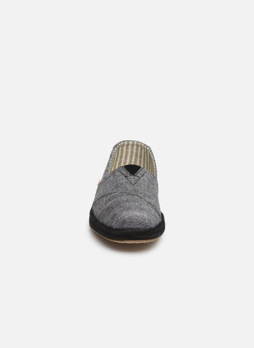 Espadrilles TOMS Alpargata M Bleu vue portées chaussures