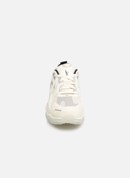 Baskets Reebok Dmx Series 1600 Blanc vue portées chaussures