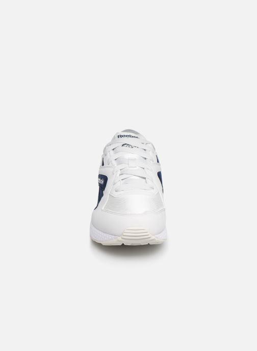 Baskets Reebok Pyro M Blanc vue portées chaussures