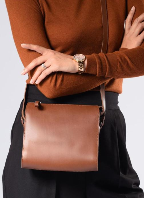Handbags SANDQVIST Frances Brown view from underneath / model view