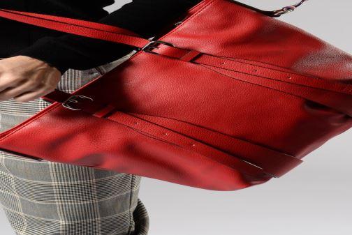Sacs à main Esprit Liz Shopper Rouge vue bas / vue portée sac