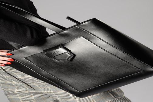 Handbags Esprit Lara Shopper White view from underneath / model view