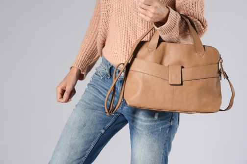 Handbags Esprit Lexi City Bag Beige view from underneath / model view
