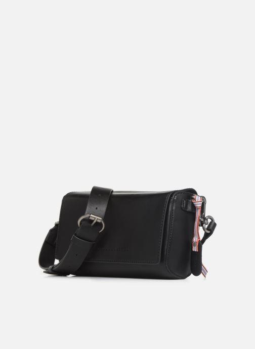 Bolsos de mano Esprit Lili Shoulder Bag Negro vista del modelo
