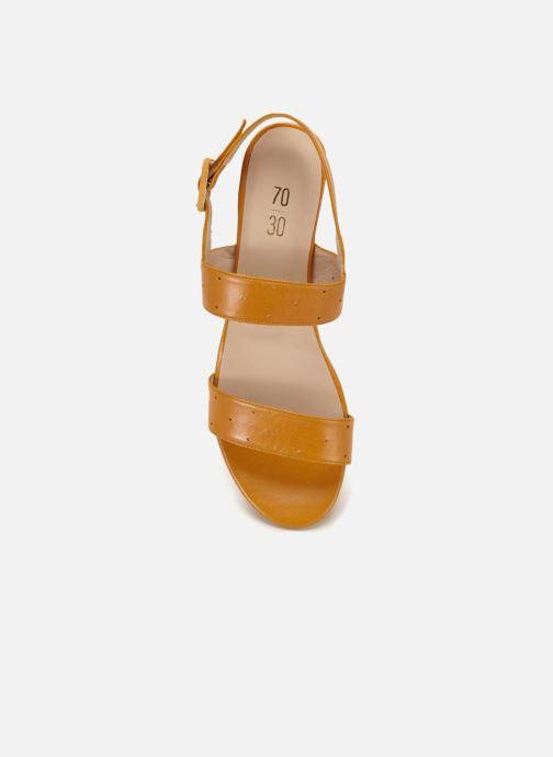 Sandalias 70/30 Lison Amarillo vista de frente