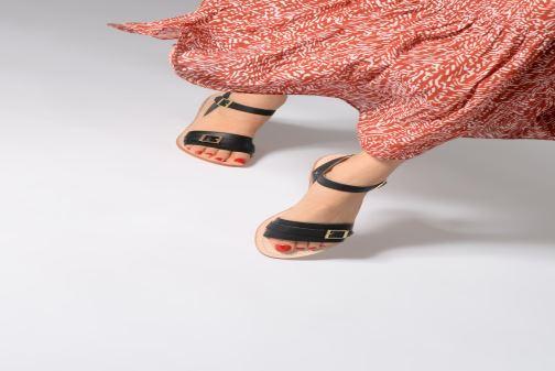 Sandales et nu-pieds 70/30 Ales Noir vue bas / vue portée sac