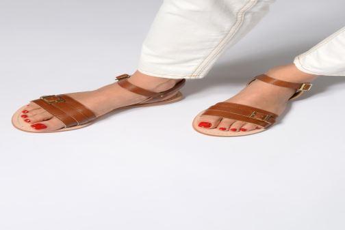Sandales et nu-pieds 70/30 Ales Marron vue bas / vue portée sac
