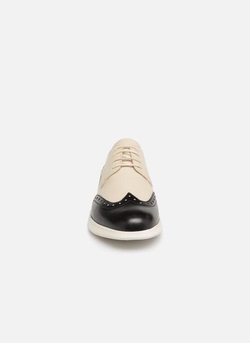 Zapatos con cordones Geox D ARJOLA F D92DHF Beige vista del modelo