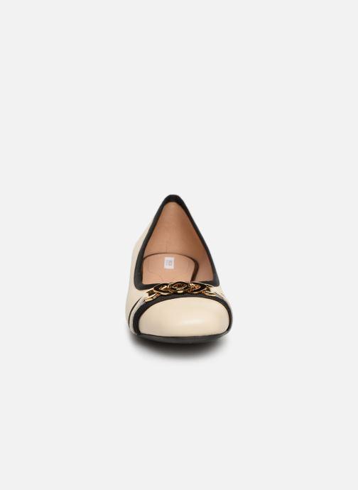 Ballerines Geox D WISTREY C D924GC Blanc vue portées chaussures