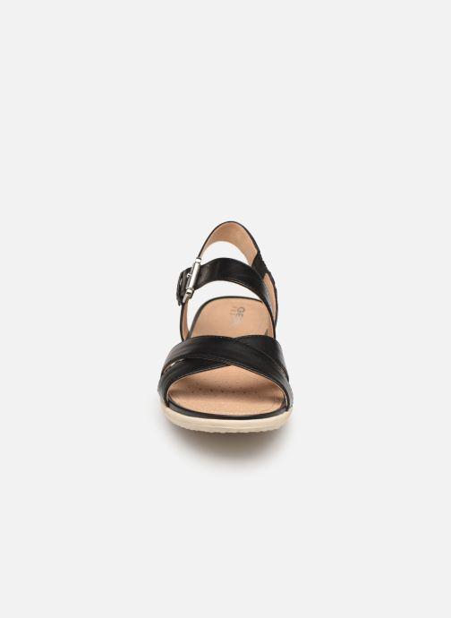Sandales et nu-pieds Geox D SAND VEGA E D92R6E Noir vue portées chaussures