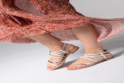 Sandales et nu-pieds Geox D SOZY L D922CL Blanc vue bas / vue portée sac