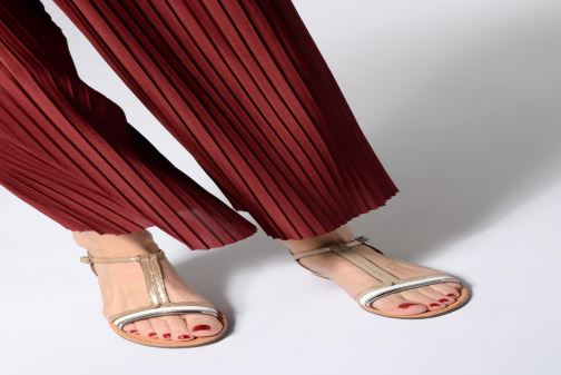 Sandals Geox D SOZY E D922CE Beige view from underneath / model view