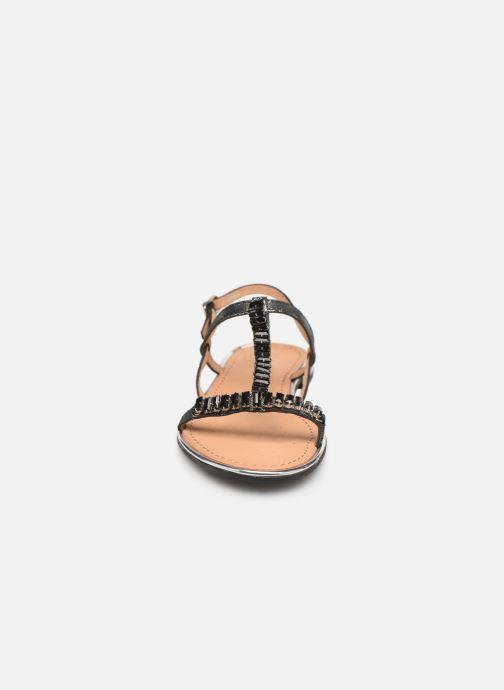 Sandali e scarpe aperte Geox D SOZY G D92DQG Nero modello indossato