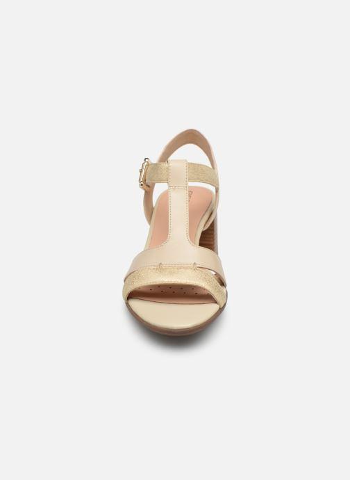 Sandales et nu-pieds Geox D MARYKRAMMEN MID SAN F D92CWF Beige vue portées chaussures
