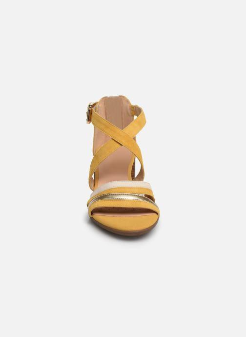 Sandales et nu-pieds Geox D MARYKRAMMEN MID SAN E D92CWE Jaune vue portées chaussures