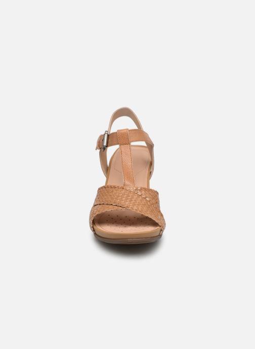 Sandales et nu-pieds Geox D DOROTHEA E D928TE Marron vue portées chaussures