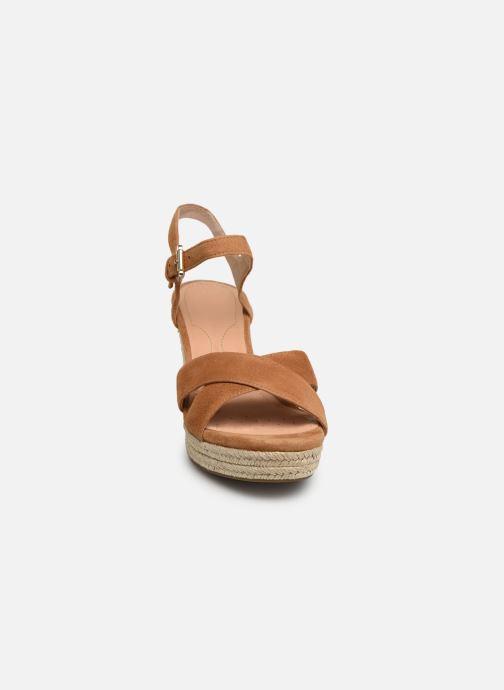 Sandales et nu-pieds Geox D SOLEIL A D92N7A Marron vue portées chaussures