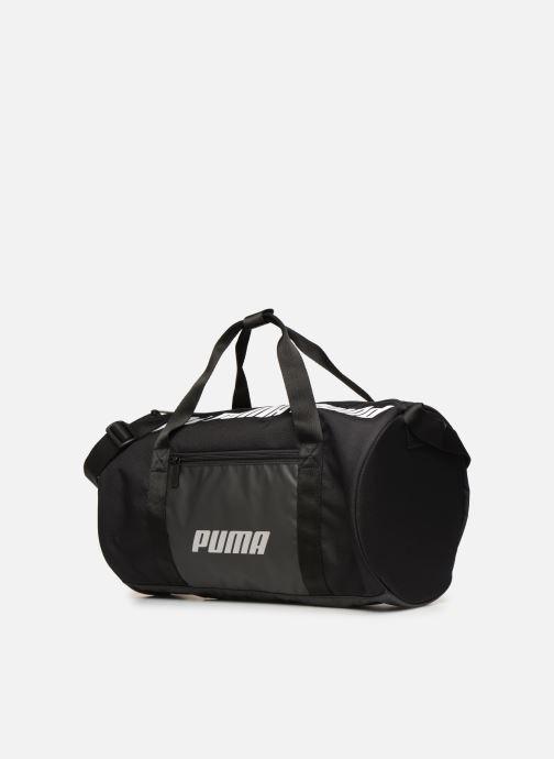 Borsa da palestra Puma WMN CORE BARREL BAG S Nero modello indossato