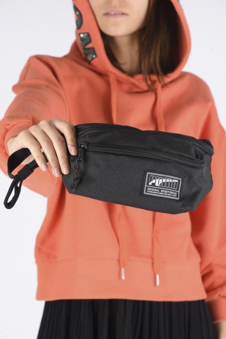 Petite Maroquinerie Puma ACADEMY WAIST BAG Noir vue bas / vue portée sac