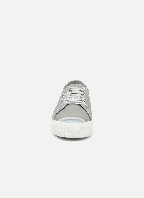 Baskets Superga 2730 Satin W Gris vue portées chaussures