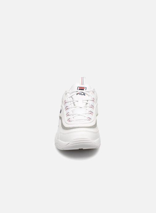 Baskets FILA Ray Blanc vue portées chaussures