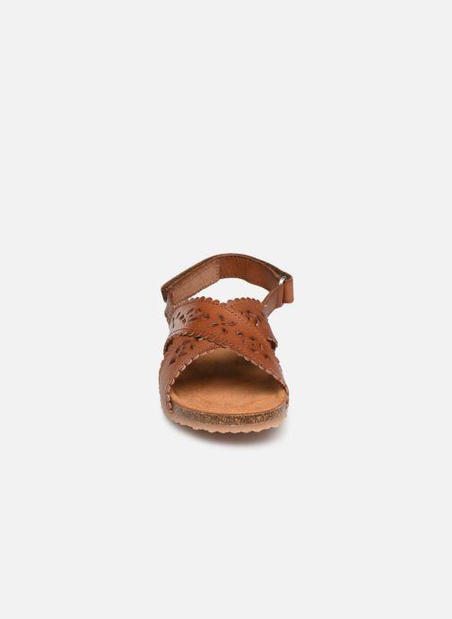 Sandali e scarpe aperte PèPè Vacchetta Marrone modello indossato