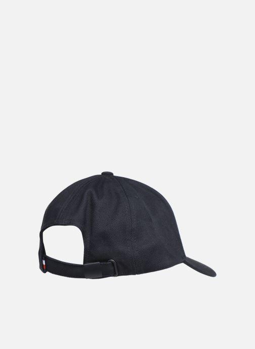 Cappellino Tommy Hilfiger FLAG CAP Azzurro modello indossato