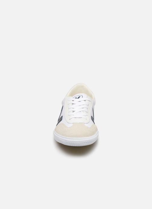 Baskets Veja Volley M Blanc vue portées chaussures