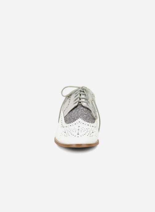 Scarpe con lacci Vanessa Wu RL1756 Bianco modello indossato