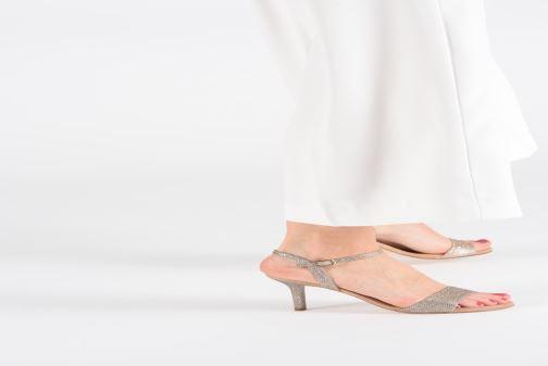 Sandalen Unisa OREA beige ansicht von unten / tasche getragen