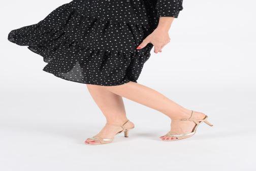 Sandales et nu-pieds Unisa OGROVE Beige vue bas / vue portée sac