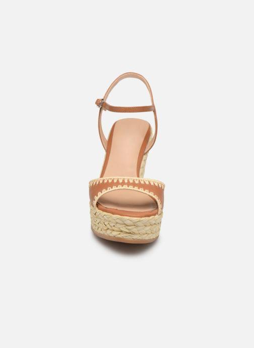 Sandales et nu-pieds Unisa MALLORCA STY Marron vue portées chaussures