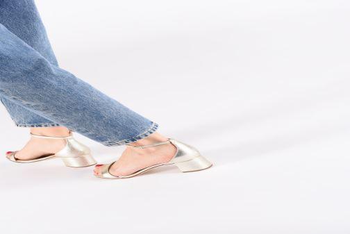 Sandales et nu-pieds Unisa KORELLA Or et bronze vue bas / vue portée sac
