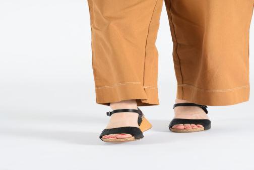 Sandalen Art Borne 1324 schwarz ansicht von unten / tasche getragen