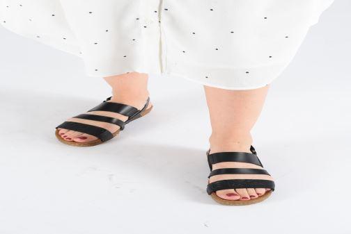 Sandales et nu-pieds Art Creta 1255 Noir vue bas / vue portée sac