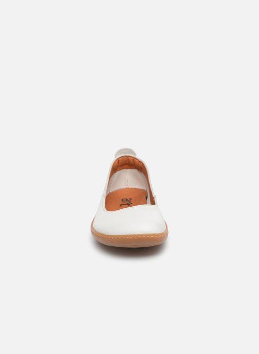 Ballerines Art Kio 1297 Blanc vue portées chaussures